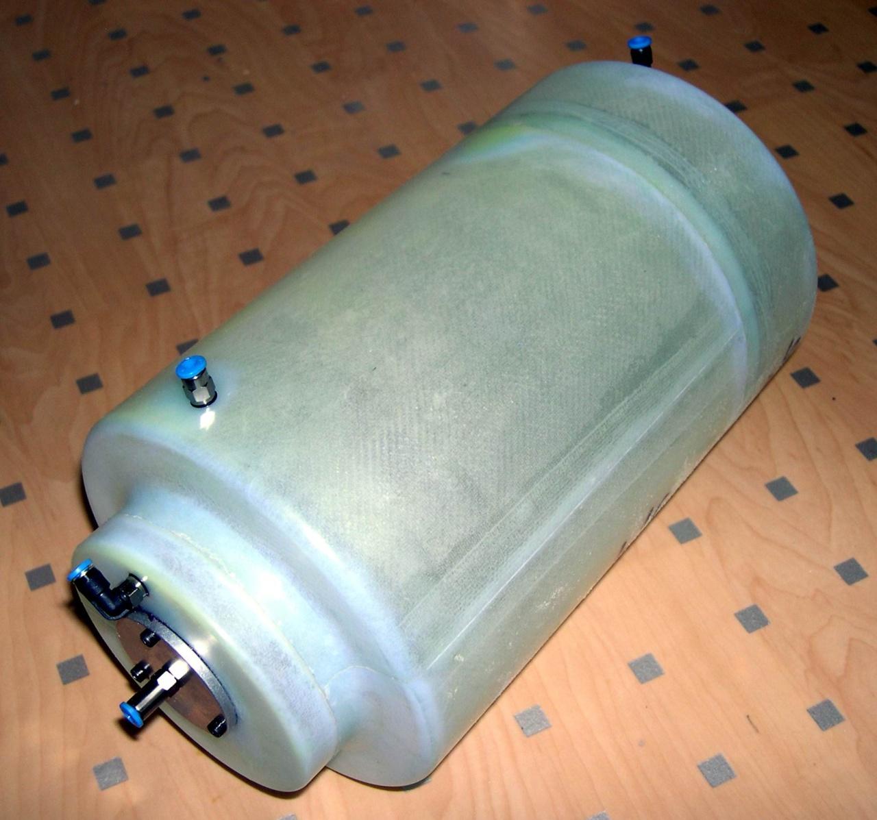 Jet Tank GFK-doppel rund 3,9/0,9 ltr