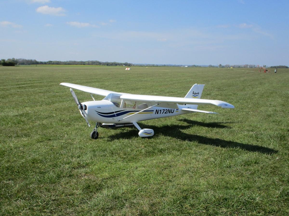 Cessna 172 Skyhawk Voll GFK
